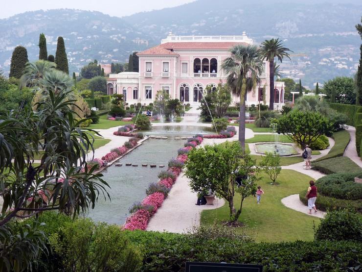 « Faite la choix de la ville, maintenant nous vous suggérons des villas trendy qui vous pouvez choisir pour vivre »