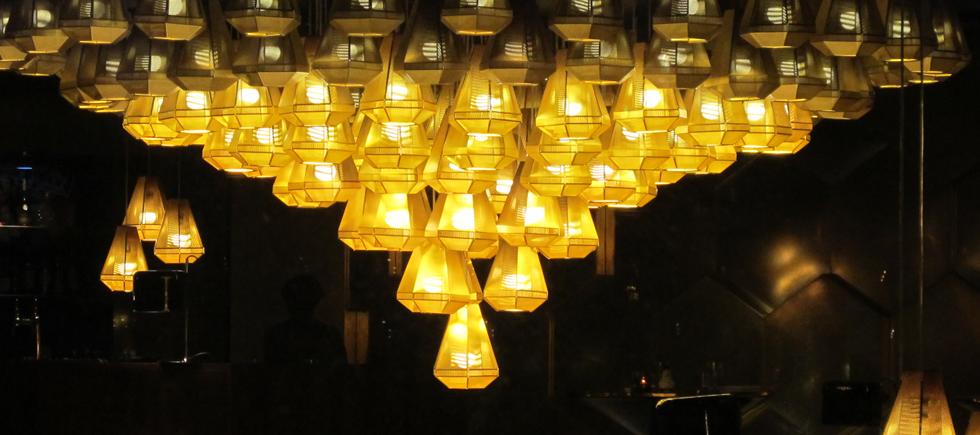 « Personnalité incontournable dans le monde du design, Tom Dixon a eu un très beau début d'année. Il a été élu créateur de l'année par le salon Maison & Objet et a également imaginé sa première brasserie parisienne à Beaugrenelle. » Tom Dixon élu créateur de l'année 2014 Tom Dixon élu créateur de l'année 2014 Tom Dixon   lu cr  ateur de l   ann  e 2014 Architecture Design Magasins Deco