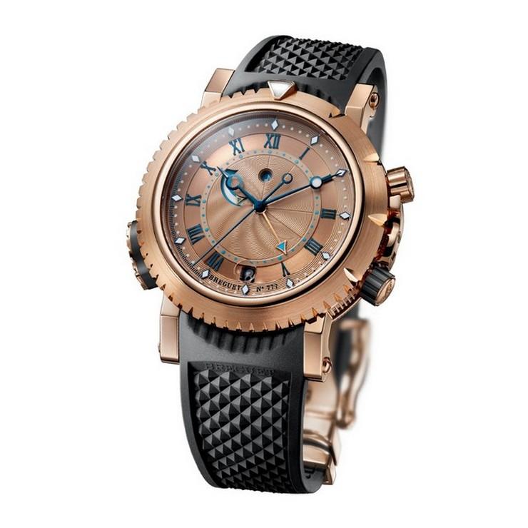 « Le spectacle où les renommées marques nationales et internationales de l'horlogerie, joaillerie et connexes comme celles-là des coffres, ont le rôle principal. »