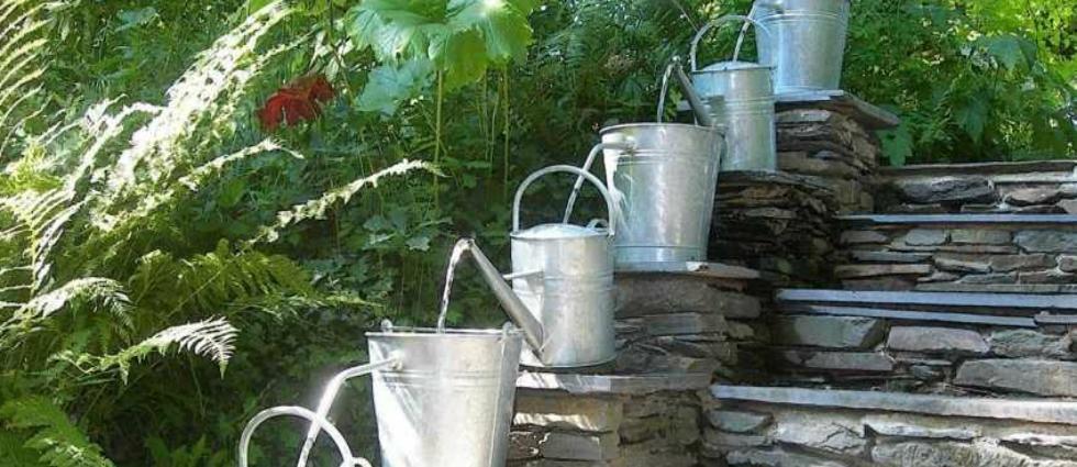 dizain-sada-16-3 Idées de jardins: 5 fontaines créent à partir d'objets recyclés Idées de jardins: 5 fontaines originales dizain sada 16 31