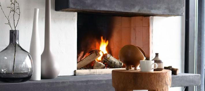 20 Inspirations d'intérieurs rustiques 20 Inspirations d'intérieurs rustiques modern rustic interior fireplace rug wooden stool 710x315