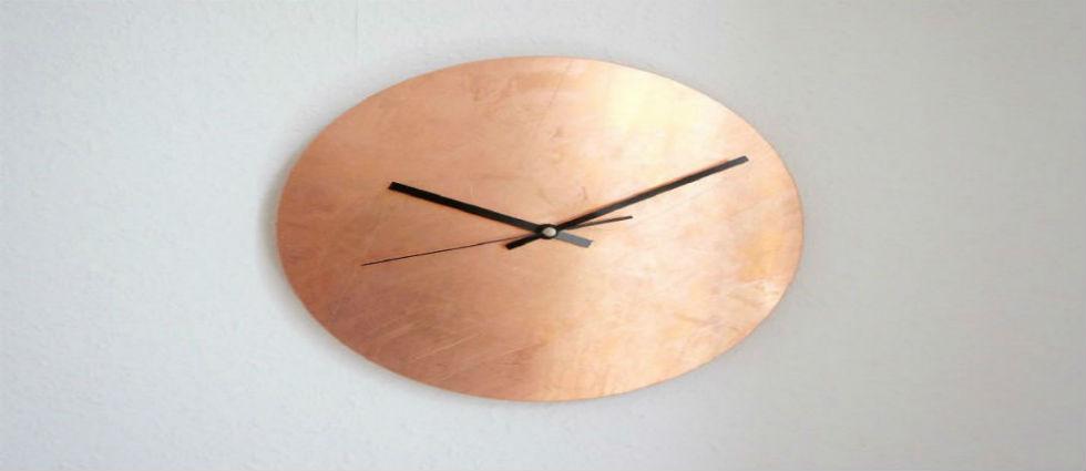détails en cuivre 10 idées gracieuses avec des détails en cuivre 10 graceful living room ideas with copper details Luxe Copper Wall Clock1