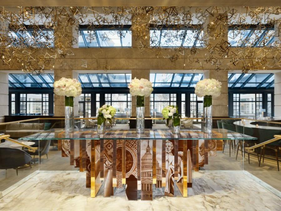 Tables á Manger en Verre Parfait pour Votre Salon Boca do Lobo Furniture Heritage Family 2 1