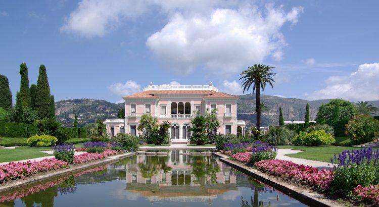 5 Villas de Rêve en France à Découvrir Villa Ephrussi de Rothschild BW 2011 06 10 11 42 29a 750x410