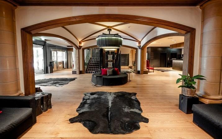 Voir le Merveilleux Hôtel Gstaad par Alberto Pinto Studio Voir le Merveilleux H  tel Gstaad par Alberto Pinto Studio 2
