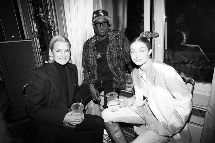 Baccarat s'associe à Virgil Abloh lors de la Fashion Week de Paris Baccarat sassocie    Virgil Abloh lors de la Fashion Week de Paris 1